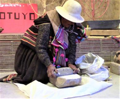 moliendo quinua